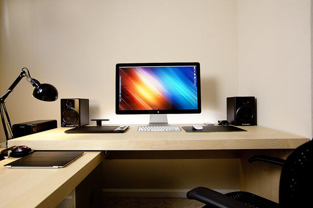 mesa ikea com computador